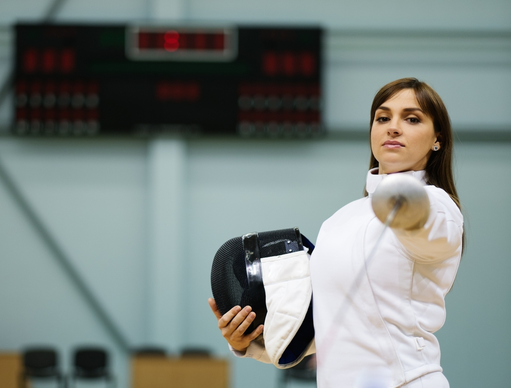 teens can build confidence by joining a fencing club