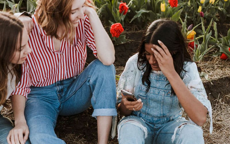 4 Reasons Why Social Media is Good for Teens